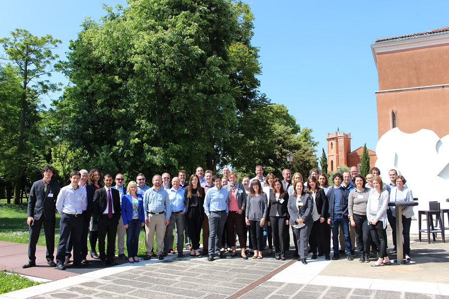 Jesus Izco, Coordinator of NANBIOSIS and José Luis Pedraz, Scientific Director of Unit 10-Drug Formulation of NANBIOSIS and NanoBioCel Group of CIBER-BBN, participated in the 2ª General Assambly of DRIVE project, held in Venice, May 16th-17th 2016.
