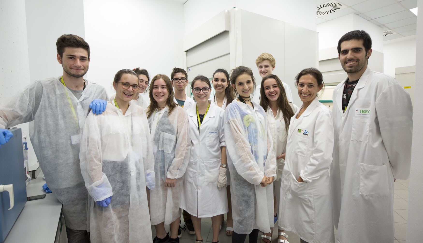 Elisabeth Engel stimulating scientific talent in the Barcelona International Youth Science Challenge